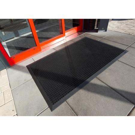 Tapis spécial accès personnes à mobilité réduite 70cm x 0,9m